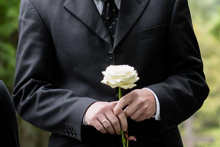 ubiór męski na pogrzeb